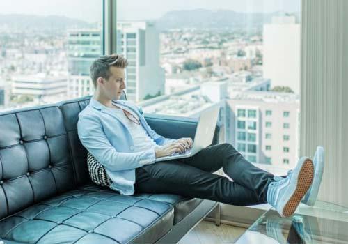 5 مفاتيح ذهبية لنجاح الأعمال التجارية عبر الإنترنت, الملك التقني